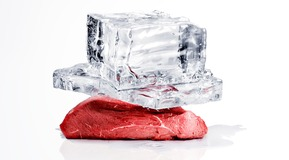 A nice piece og meat with two large Ice blocks on top for the CRYOLINE campaign in REN 2010-2011.